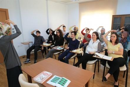 ESER, Engelliler Sürekli Eğitim ve Rehberlik Merkezi, işaret dili kursları